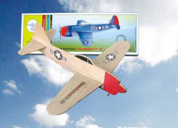 Hádzadlo HM: vetroň THUNDERBOLT P-47